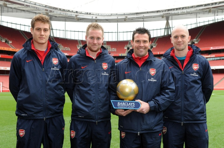 arsenal grooundsman award pic
