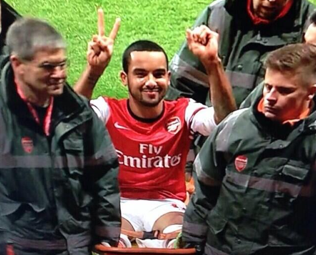arsenal mock spurs with walcott 2 0 gesture t shirt giwajimoh s blog