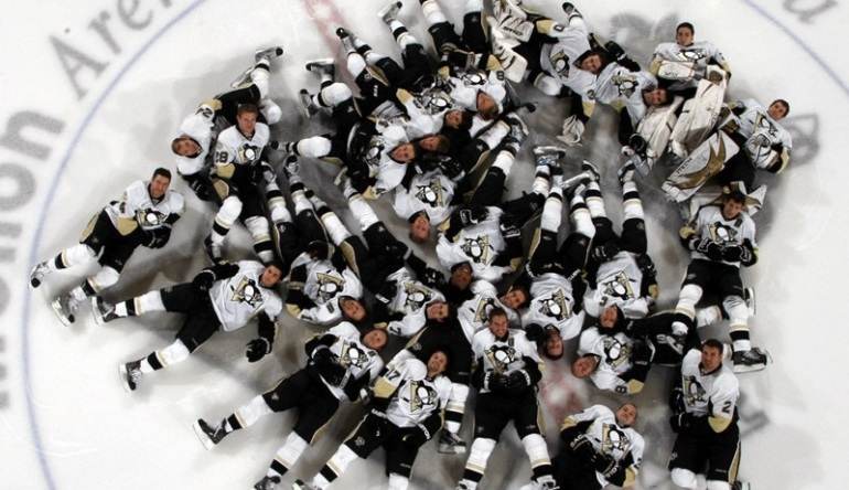Pittsburgh-Penguins-Nap-time-sidney-crosby-8502968-800-600